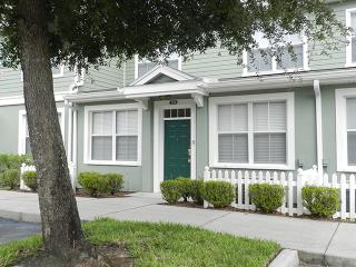 Gorgeous Venetian Bay Townhome with Gym and Hot Tub - Kissimmee vacation rentals