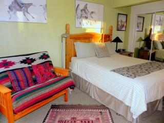 Hummingbird Studio - 2 MIN TO DOWNTOWN - San Diego vacation rentals