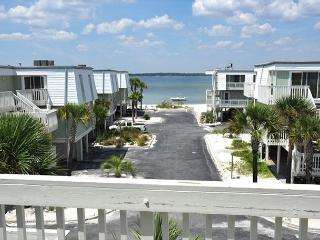 $110/nt February Special! 2-bedroom/2.5-bath Townhome at Boardwalk! - Pensacola Beach vacation rentals