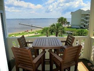 Available July 5 - 12! Nicely-decorated Baywatch 2 bdr w/views of Sound! - Pensacola Beach vacation rentals