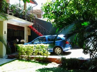 2 bedroom Bungalow with Garage in Kandy - Kandy vacation rentals