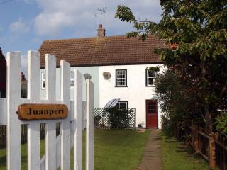 Juanperi Cottage - Winterton-on-Sea vacation rentals