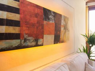 Romantic apartment located in Santa Croce area of Florence, two bedrooms, charming neighborhood - Florence vacation rentals