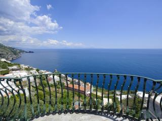 Villa Artista, a quite spot in Praiano - Praiano vacation rentals