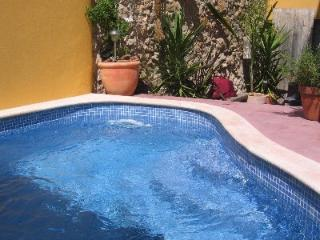 Nice Townhouse with Internet Access and A/C - Moncarapacho vacation rentals