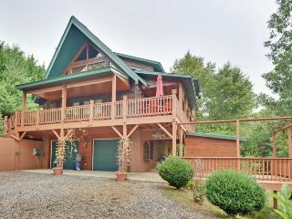 Luxurious Log Home w/ WiFi &  New Hot Tub - Murphy vacation rentals