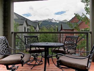 Downtown Breck! Private Ski Locker! Hotel Amenities! - Breckenridge vacation rentals