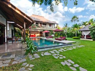 Villa Blubambu, the place for your relaxed holiday - Seminyak vacation rentals