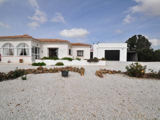 Nice Villa with Internet Access and Satellite Or Cable TV - Almogia vacation rentals