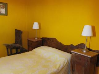 Cozy 1 bedroom Converted chapel in Emilia-Romagna with Short Breaks Allowed - Emilia-Romagna vacation rentals