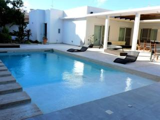 Luxurious Villa-5 minute drive from Saint Julians. - Island of Malta vacation rentals