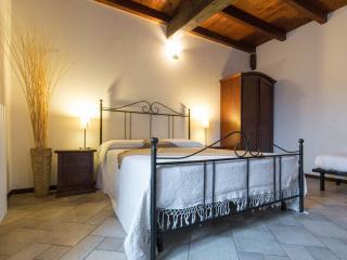 Borgo Vecchio: I girasoli apartment - Brusasco vacation rentals