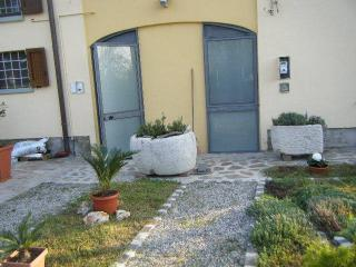 1 bedroom Apartment with A/C in Modena - Modena vacation rentals