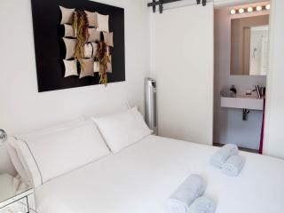 Chillax Barcelona Apartment - Barcelona vacation rentals