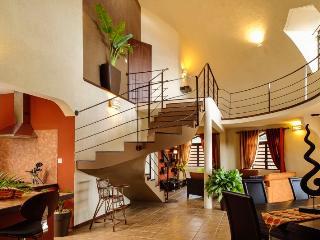 Villa Pampas2 - Harmonie Confort Intimité Sécurité - Albion vacation rentals