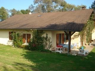 Nice 4 bedroom House in Romenay - Romenay vacation rentals