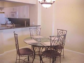 Dining  - Enjoy a relaxing stay in this beachfront unit at a prime Island Resort Complex - Marco Island - rentals
