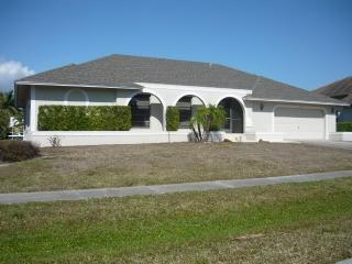 Front view - Fishermans Dream-direct access to the Gulf-Quiet North Island Location - Marco Island - rentals