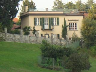 Dolce Casa, a grand home for connoisseurs - Besozzo vacation rentals