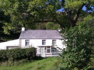 """Bridge House"" The Glen Glenties Donegal Ireland - Glenties vacation rentals"