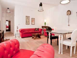 Plaza Mayor / Sol, Historic Center 3 Bedrooms Wifi - Madrid vacation rentals