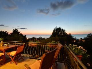 Villa Elaia, apartment Ortice, Castellabate - Santa Maria di Castellabate vacation rentals