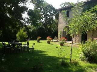 Nice Villa with Outdoor Dining Area and Television - Urbania vacation rentals