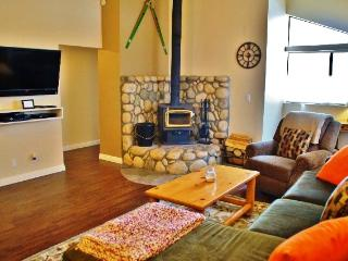 Newly Renovated luxurious Mammoth 2nd floor condo with Mountain views - Listing #330 - Mammoth Lakes vacation rentals