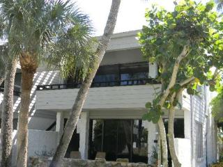 Venice Condo - private beach location - Venice vacation rentals
