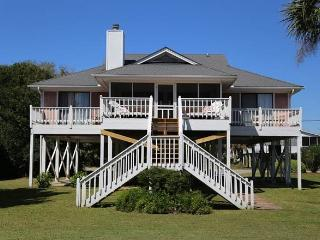 "2704 Palmetto Blvd - ""Werthwhile"" - Edisto Beach vacation rentals"