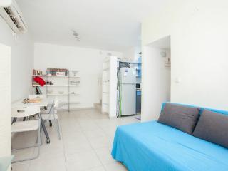 1 bedroom apartment- Raanana center # 21 - Ra'anana vacation rentals