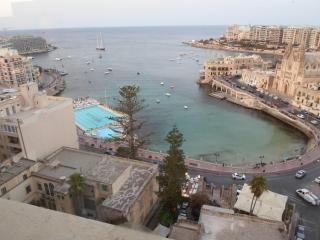 Highly finished 1 bedroom apartment in St Julians. - Saint Julian's vacation rentals