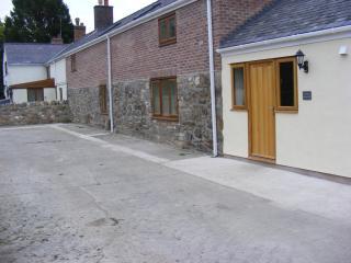 The Barn - Clawdd Offa Farm - Caergwrle vacation rentals