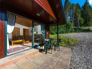 Beautiful 4 star chalet with mountain views - Crianlarich vacation rentals
