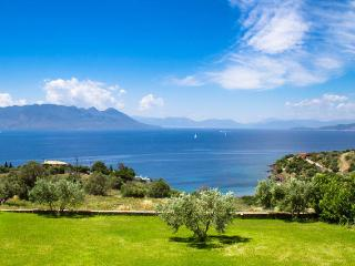At Aegina, a breathtaking view on the Peloponnese - Perdika vacation rentals