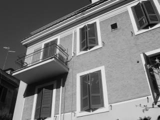 Vacanze romane... in Villa! - Camera Matrimoniale - Rome vacation rentals