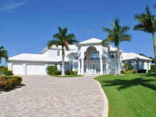 Nice Villa with Deck and Internet Access - Cape Coral vacation rentals