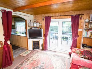 Lovely 2 bedroom Cabin in Williton with Internet Access - Williton vacation rentals
