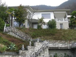 Villa Perita***** Lugano-Bissone max. 10 Personen - Lugano vacation rentals
