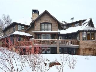 Perfect 5 bedroom House in Stowe with Internet Access - Stowe vacation rentals