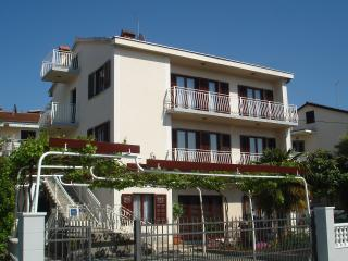 Apartment**** for 5 persons with seaview Mirjana - Malinska vacation rentals