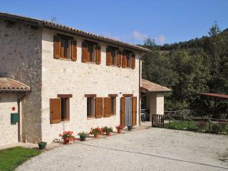 Lovely 4 bedroom Villa in Preci - Preci vacation rentals