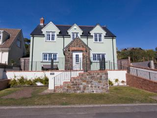 Y Bwlch, lovely large garden with Sea View - Solva vacation rentals
