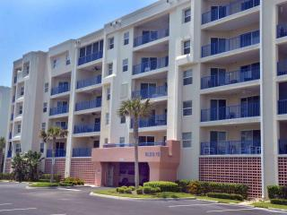 Beautiful, Spacious Beach Condo - New Smyrna Beach vacation rentals