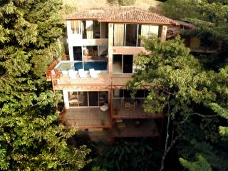 5,000 sq.ft 5br/6ba Happy Jacana Villa Getaway - Quepos vacation rentals