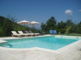 Beautiful 6 bedroom Villa in Fivizzano - Fivizzano vacation rentals