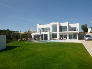 Peach Grove - Alcobaca vacation rentals