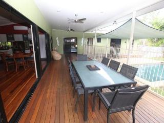 Blue Haven Holiday House on Magnetic Island SLEEPS 8 - Horseshoe Bay vacation rentals