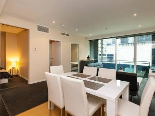 Central Modern 2BR Apt with Balcony (WIFI + POOL) - Melbourne vacation rentals