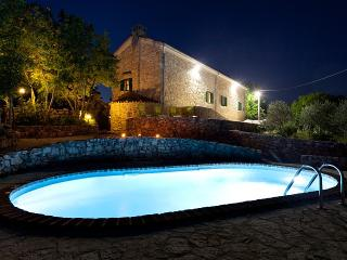Bright Villa with Satellite Or Cable TV and Cleaning Service - Dobrinj vacation rentals